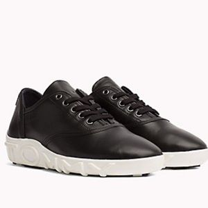 Tommy Hilfiger Shoes - Tommy x Gigi Sneakers Black